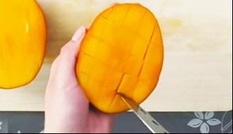 マンゴーカット方法1